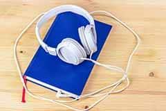 הקשבה לסיפורים באנגלית