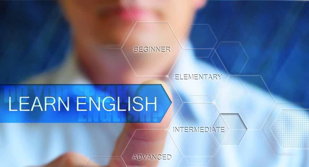 לימוד אנגלית למתחילים - אדם נוגע במשבצות עם רמות שונות באנגלית