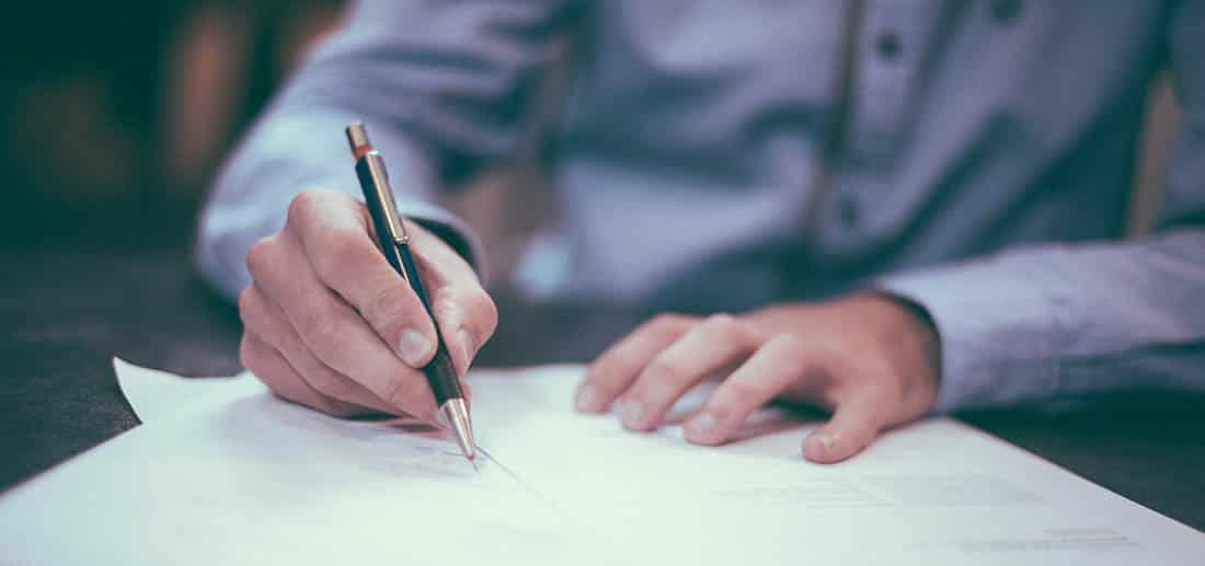 עורך דין עורך חוזה באנגלית משפטית